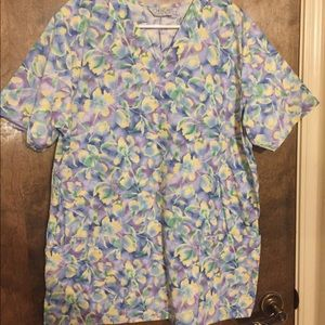 Cherokee scrub top with flowers large